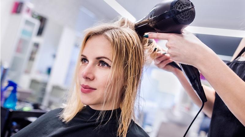 Jaką suszarkę do włosów wybrać